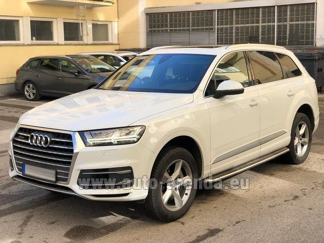 Hire and delivery to Bogenhausen the car Audi Q7 50 TDI Quattro White