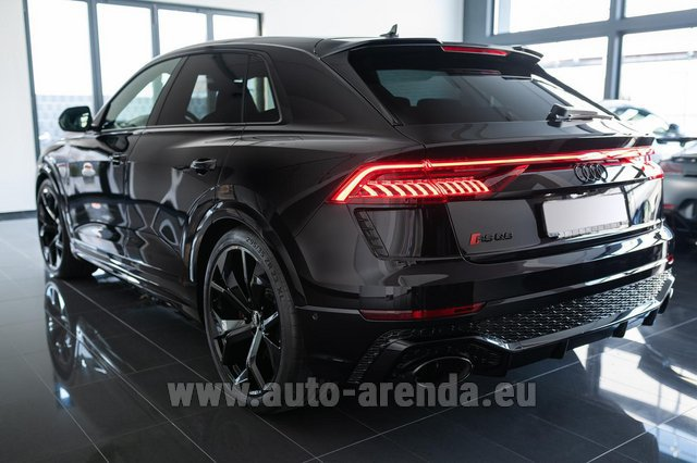 Hire and delivery to Starnberg the car Audi RS Q8