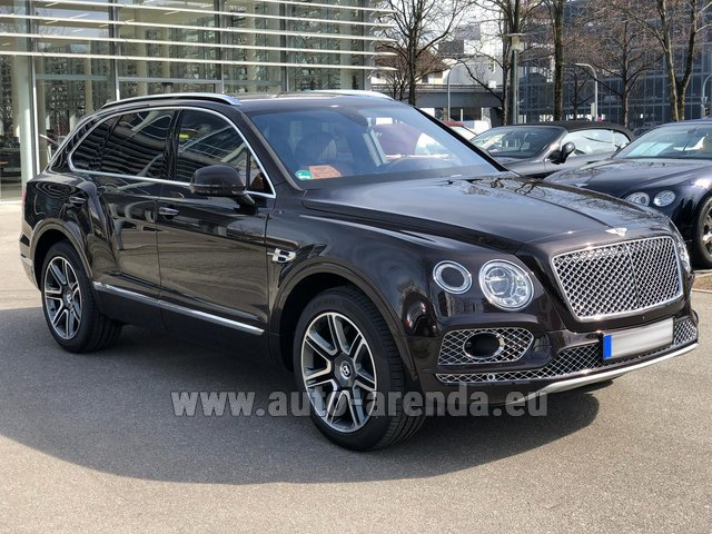 Rental Bentley Bentayga 6.0 Black in München Bayern