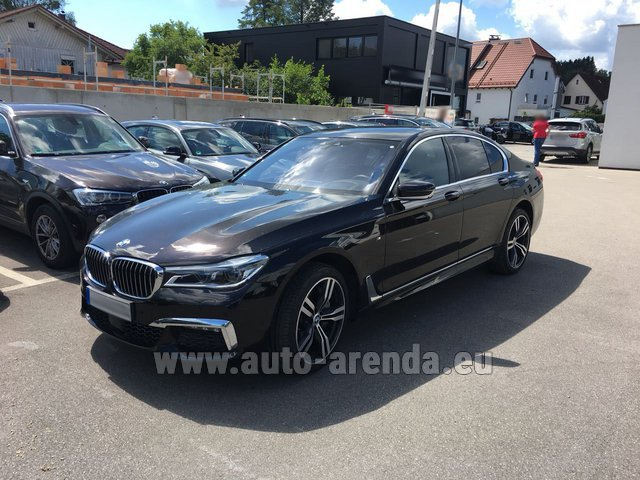 Hire and delivery to the München airport the car BMW 750i XDrive M equipment