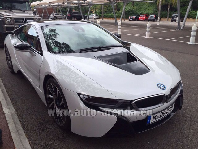 Hire and delivery to the München airport the car BMW i8 Coupe Pure Impulse