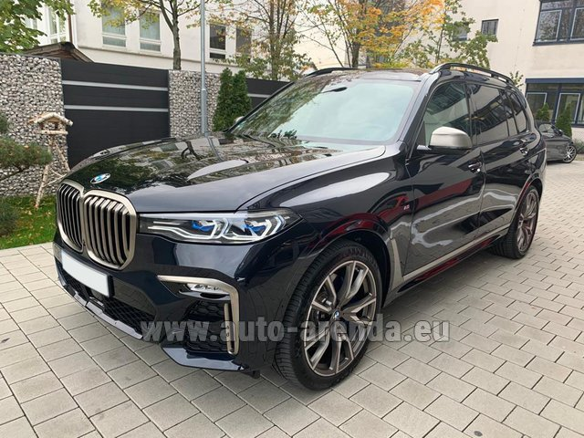 Hire and delivery to the München airport the car BMW X7 M50d