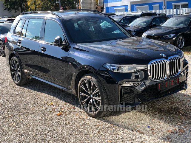 Hire and delivery to the München airport the car BMW X7 xDrive40i