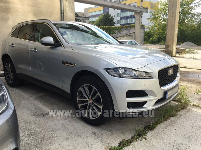 Hire and delivery to Ludwigsvorstadt-Isarvorstadt the car Jaguar F-Pace
