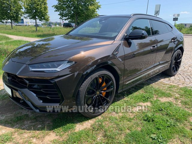 Hire and delivery to Starnberg the car Lamborghini Urus