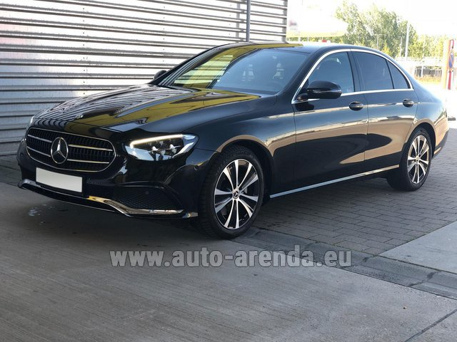 Hire and delivery to the München airport the car Mercedes-Benz E220 diesel AMG equipment