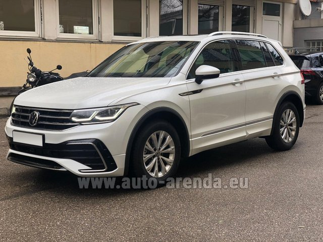 Hire and delivery to the München Train Station the car Volkswagen Tiguan R Line 2.0 TSI 333 hp